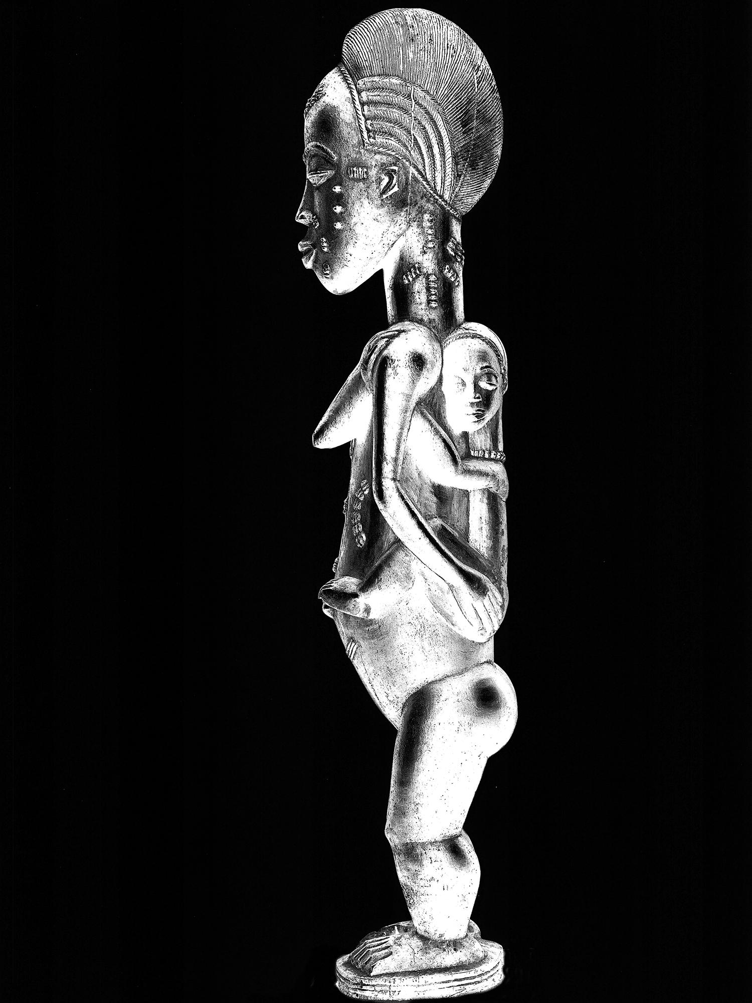 Sculpture d'une maternitéafricaine © photoDR