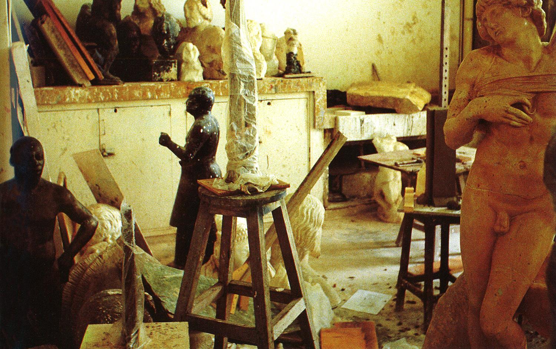 L'atelier de sculpture de l'École des Beaux-Arts d'Abidjan, sous le regard de Michel-Ange© photoRevue Noire