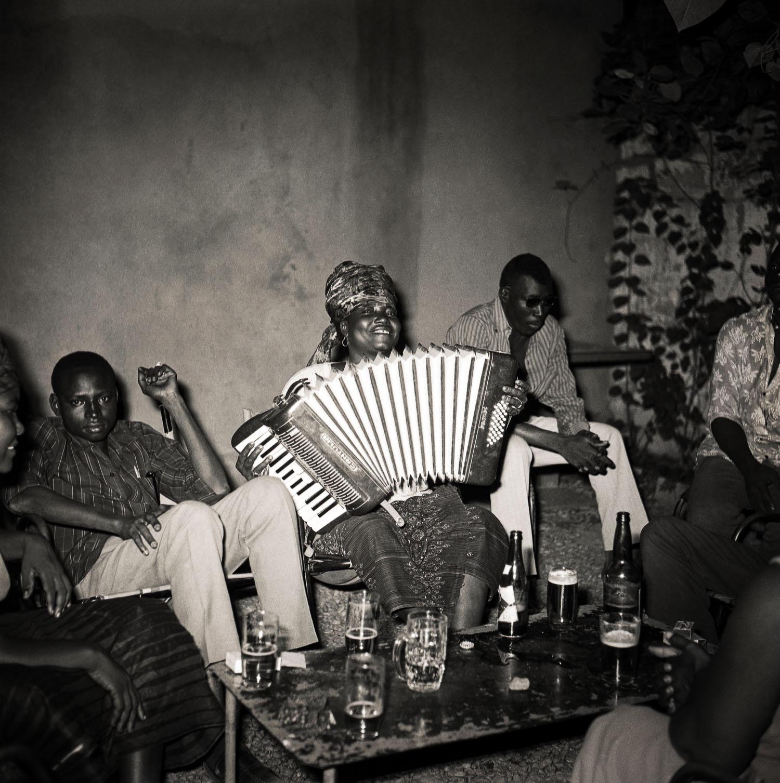© photo Philippe Koudjina, 'La joueuse d'accordéon', Niamey, ca. 1960-1975
