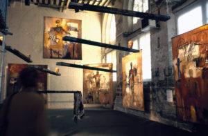 """""""Suites Africaines"""" exposition Revue Noire, Paris 1997 - Peintures et installation de Mohammed Kacimi (Maroc)"""
